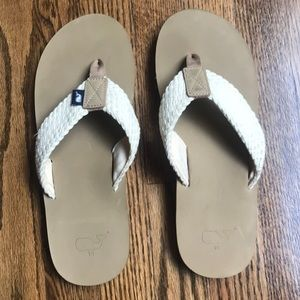 Vineyard Vines leather flip flops